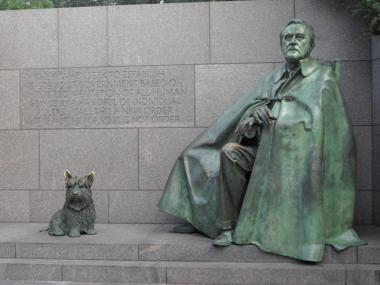 Cached Pictures of the fdr memorial